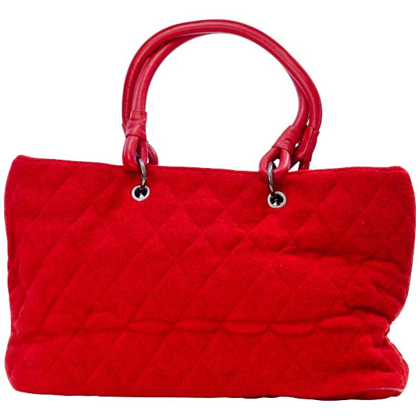 Lily Red Quilted Totebag full-size #4