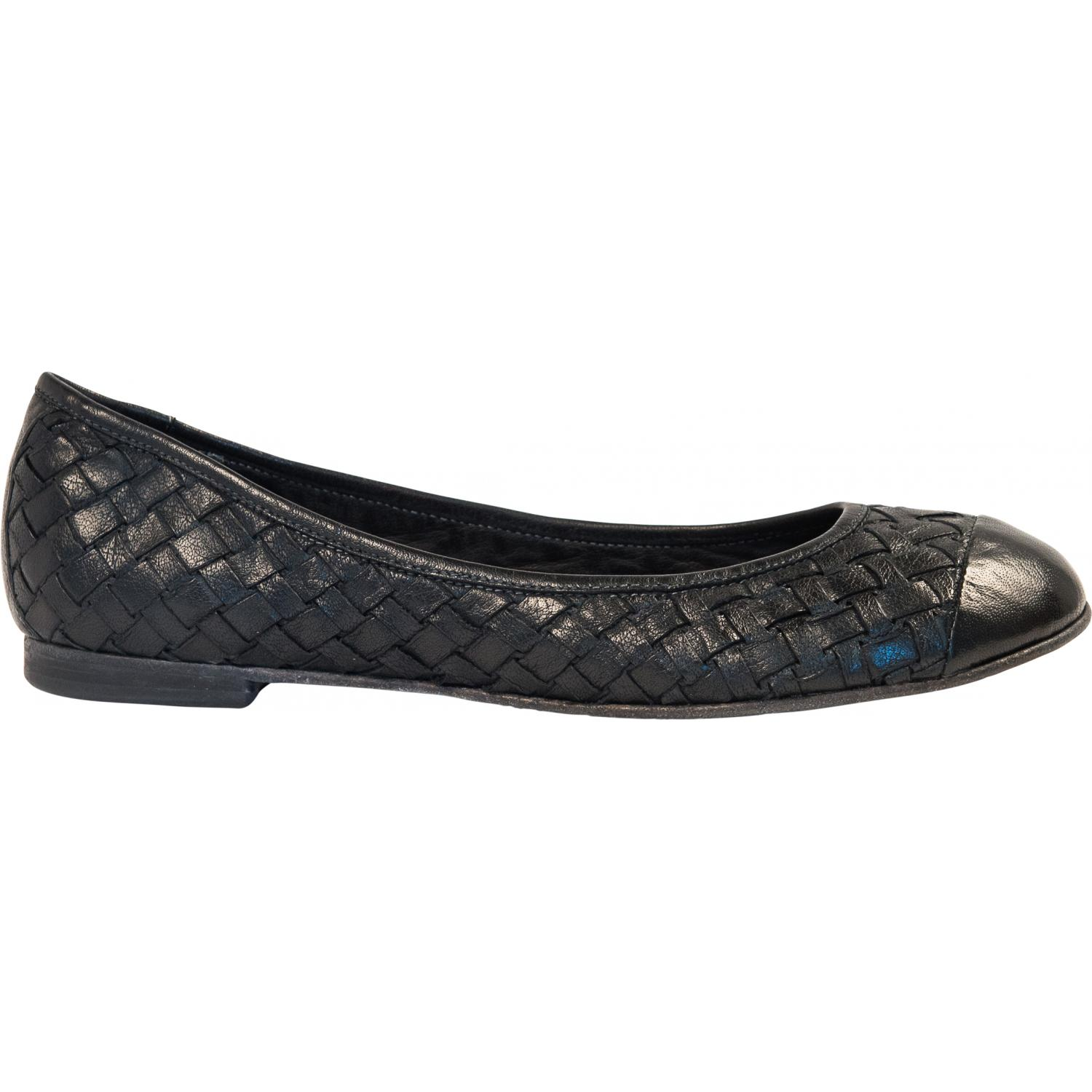 ad93b88a8 ... Kate Dip Dyed Black Woven Leather Ballerina Flats thumb #4 ...